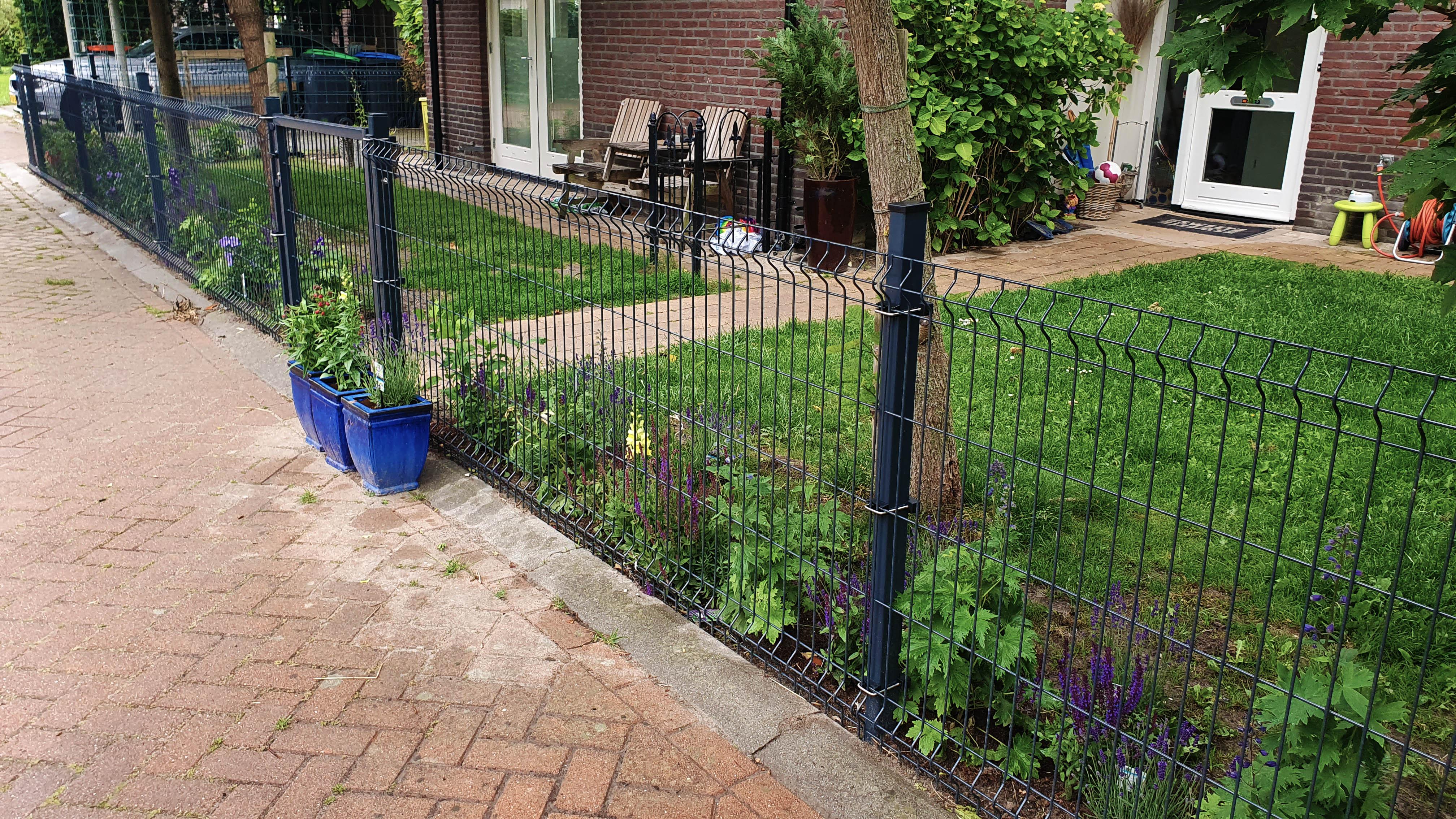 Schließ Ihrem Garten mit Zäunen