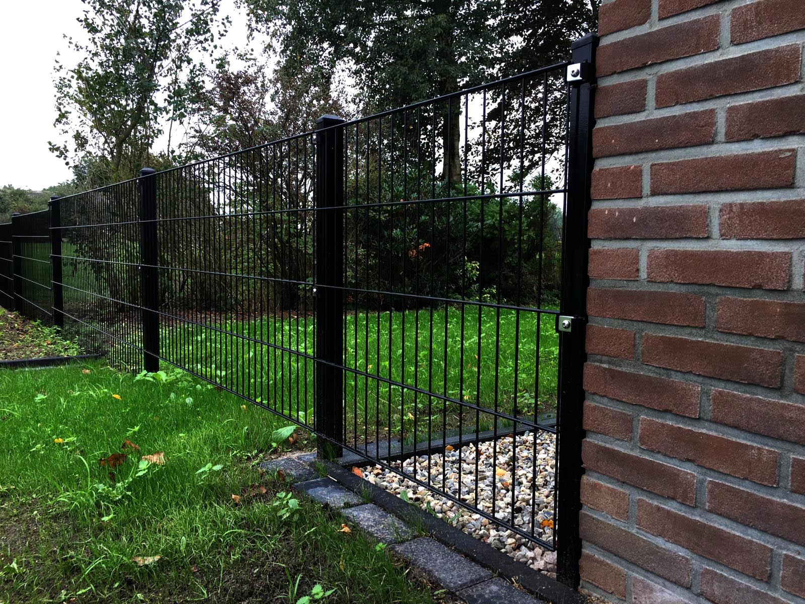 Wie hoch ist ein Zaun?
